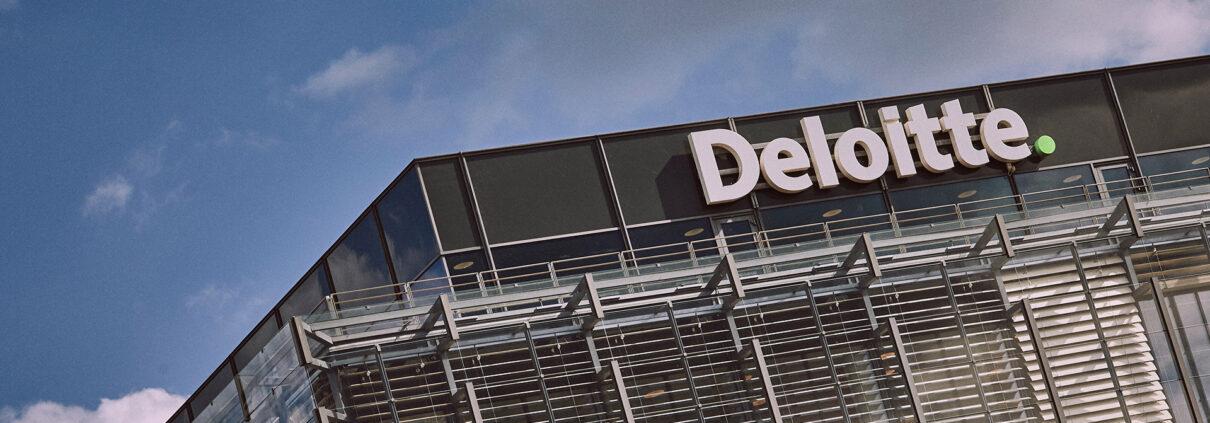 Data engineer to Deloitte